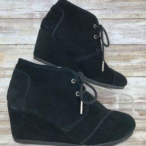 Toms 6.5M Black Suede Wedge Heel Ankle Booties